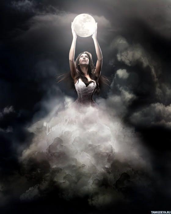 луна и девушка фото